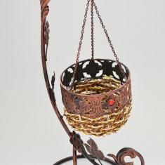 Suport pentru flori - foarte decorativ - lucrat manual - din metal - Nou