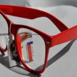 Ochelari wayfarer transparenti
