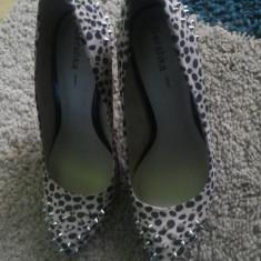 Vand Pantofi Bershka marimea 37 - Pantof dama, Din imagine