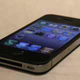 Vand iphone 4 liber in orice retea inpecabil