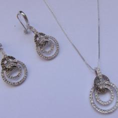 SET BVLGARI LANTISOR CU PANDANTIV + CERCEI INOX CU STRASURI APLICATE !!! cadoul ideal pentru persoana iubita - Set bijuterii inox