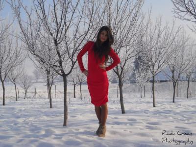 Rochie rosie cu dantela foto