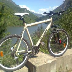 Vand/Schimb Bicicleta Giant XTC 4 off road series 20'' cadru - Mountain Bike Giant, 26 inch, Numar viteze: 27, Aluminiu, Alb