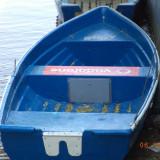Vand barca cu motor