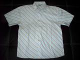 Camasa Identic; marimea 41/42 (L) :61 cm bust, 70 cm lungime; impecabila ca noua, Maneca scurta