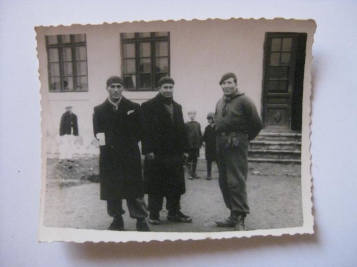 REDUCERE 50%! FOTOGRAFIE CU LEGIONARI IN TABARA DE LA BREAZA DIN 1936 foto mare