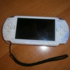 PSP SONY alb, MODAT, stare de functionare buna, mici semne de uzura