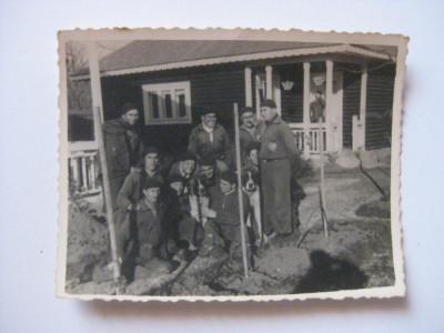 REDUCERE 25%! FOTOGRAFIE CU LEGIONARI IN TABARA DE LA BREAZA DIN 1936 foto