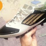 Vand ghete de fotbal Adidas F50 ideale pentru gazon natural sau sintetic!! - Ghete fotbal Adidas, Marime: 42, Gri, Barbati