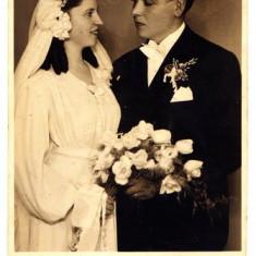 B7. - FOTOGRAFIE VECHE - MODA - ANII 1920 - NUNTA - ROCHIE DE MIREASA - FOTO FEMINA BUCURESTI