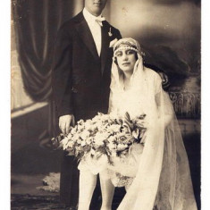 B8. - FOTOGRAFIE VECHE - MODA - ANII 1920 - NUNTA - ROCHIE DE MIREASA