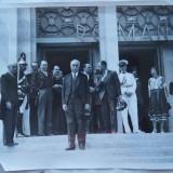 Foto din timpul celui de al doilea razboi mondial ; Pavilionul expozitional romanesc din Paris - Fotografie veche