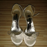 pantofi nunta Benvenuti. Foarte comozi, toc mic, purtati o singura data.