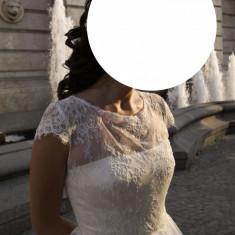 Rochi de mireasa (second hand) purtata doar 6 ore!!!!!!corset drept spate. lungime 160 cm. talie 69 cm. piept 89 cm. umeri 33 cm. crinolina.paiete - Rochie de mireasa printesa