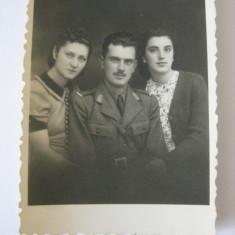 FOTOGRAFIE CU OFITER ROMAN DIN ANII 30 - Fotografie veche