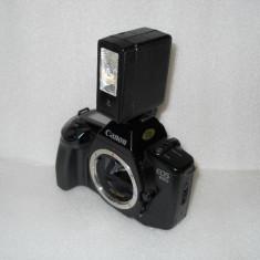 VAND APARAT FOTO CANON EOS 650, BODY CU BLITZ - Aparat Foto cu Film Canon