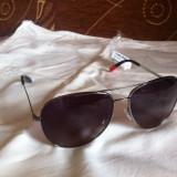 Vand ochelari de soare 100% originali Tommy Hilfiger modelul TH1216 la un pret foarte avantajos! Stoc limitat! Nu sunt replica sau fake-uri!!