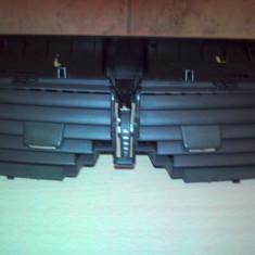 Ghidaje aer grila centrala cromate Renault megane 2(pt an fab.'02-'09)
