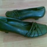 Pantofi din piele firma Paul Green  marimea 39,aproape noi,arata impecabil!
