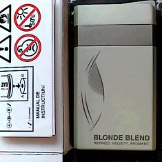 BRICHETA DUNHILL BLONDE BLEND (ALBA) -METALICA -ANTIVINT, PRODUSELE SUNT NOI !!! - Bricheta Zippo, Tip: Moderna (1970 -acum)