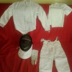 Vand echipament SCRIMA costum complet+ casca+ manusa, pt. copil 6-8 ani - Manusi Copii