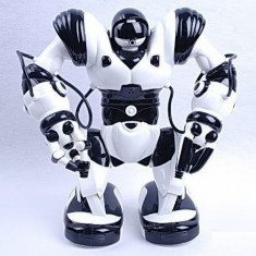 RoboActor - robot umanoid - efectueaza orice miscare,sunete,lumini, merge...ROBOT ELECTRIC.