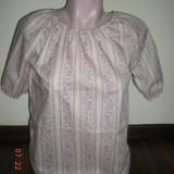 Bluza tip IE - Bluza dama, Marime: M/L, Maneca scurta, Din imagine