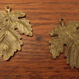 Pandantiv/cercei /martisor frunza bronz