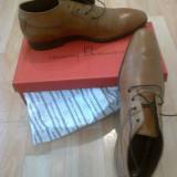 Pascal Morabito - Ghete elegante,piele,culoare coniac patinat;stare-noi,cu eticheta,in cutie originala.