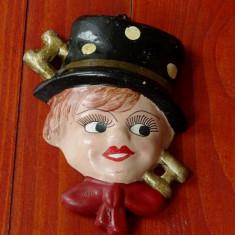 Figurina veche din ceramica - pictat manual - cosar !!! - Arta Ceramica