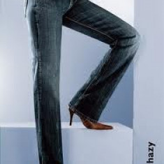 Blugi dama Levi's 570 Straight Fit mas. 30, Drepti, Lungi, Normal, Normala, Prespalat
