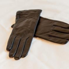 Manusi din piele naturala, Negru