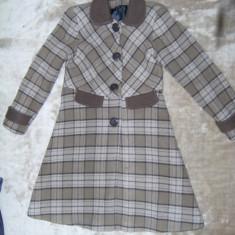 Palton copii, marimea M (146/38), maro de stofa de buna calitate, Fete