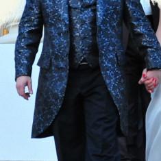 Costum cu Redingota Alexandru Ciucu! Senzationala! Marimea 48 - Super okazie!