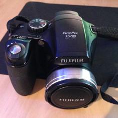 FUJIFILM FINEPIXS5700 - Aparat Foto cu Film Fujifilm, SLR, Digital