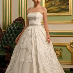 Rochie de mireasa, model printesa, creatie Andree Salon
