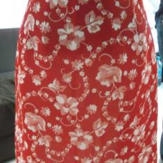 Fusta scurta rosie cu imprimeu floral, Marime: 34, Culoare: Rosu, Forma A