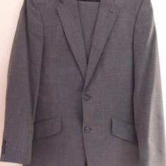 Costum Pierro Cini,marimea 48, stare impecabila