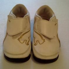 Pantof sport Puma, marimea 23, unisex . - Adidasi copii Puma, Culoare: Alb