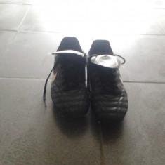 Ghete Nike Tiempo - Ghete fotbal Nike, Marime: 41, Negru, Barbati