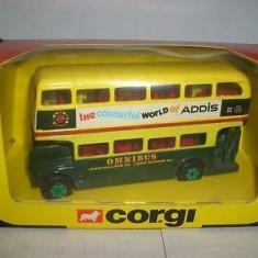 Macheta CORGI Routemaster Bus Schilineer Addis scara 1:64 - Macheta auto