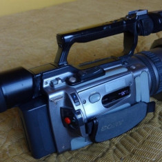 Vand cameră video SONY VX 2100 E, 2-3 inch, Mini DV, CCD, 20-30x