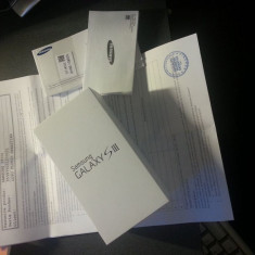 Schimb Samsung Galaxy S3 alb impecabil, neverlocked - GARANTIE - cu iPhone 5, 16GB, Neblocat