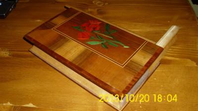 caseta bijuterii lemn furnir foto