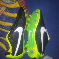 Ghete fotbal Nike Tiempo profesionale, Marime: 39