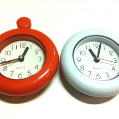 Ceas cu rama din plastic pentru agatat / Quart