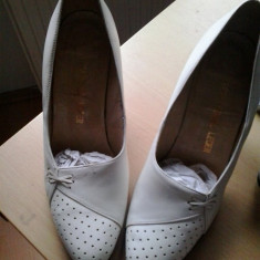 Vand pantofi dama mireasa model deosebit marimea 39 - Pantof dama, Culoare: Alb, Alb, Cu toc