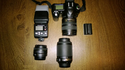Trusa completa cu Nikon D50+blitz+2 obiective suplimentare foto
