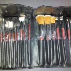 Set / Trusa 18/SET Pensule Machiaj Profesional trusa de machiaj pensule de fard blush fond de ten concealer - Pensula machiaj