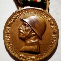 5.101 DECORATIE ITALIA VITTORIO EMANUELE III 1915 1918 WWI BRONZ 32mm, Europa